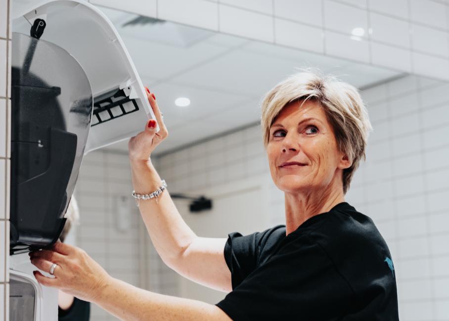 Het belang van hygiëne in uw sanitair is sinds corona alleen maar toegenomen. Lees er alles over in onze whitepaper 'Vertrouw op hygiëne'.