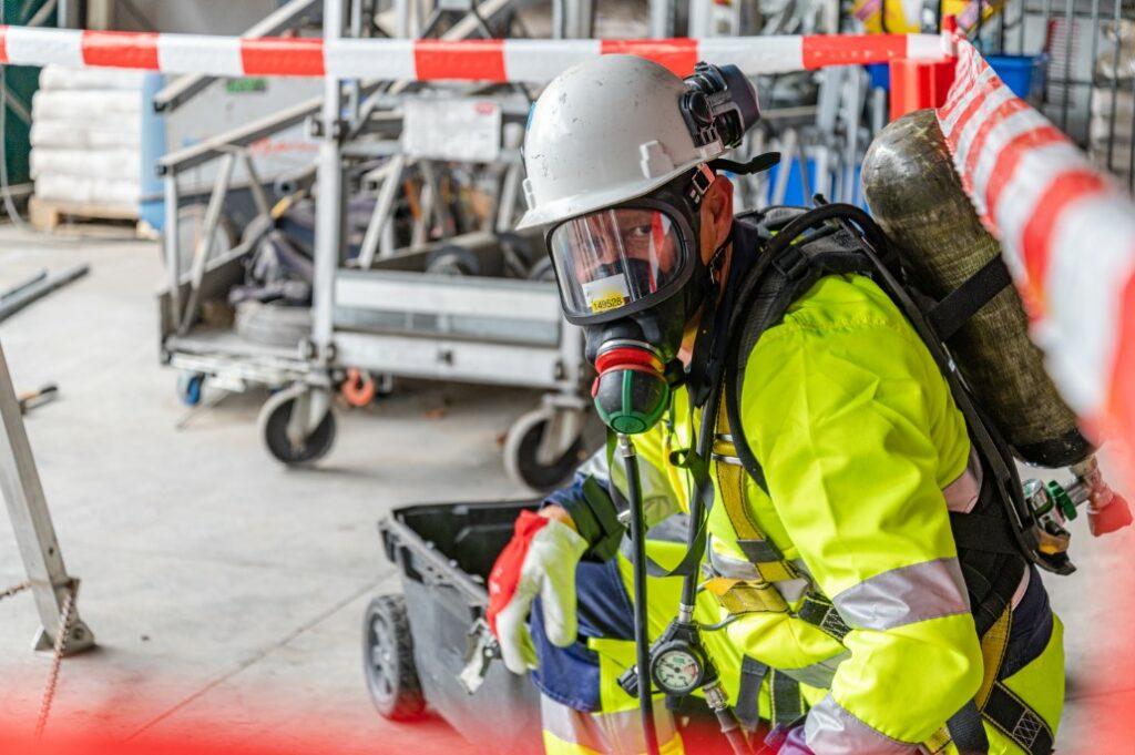Le garde d'incendie de Safety Masters s'occupe de la sécurité lors des travaux.