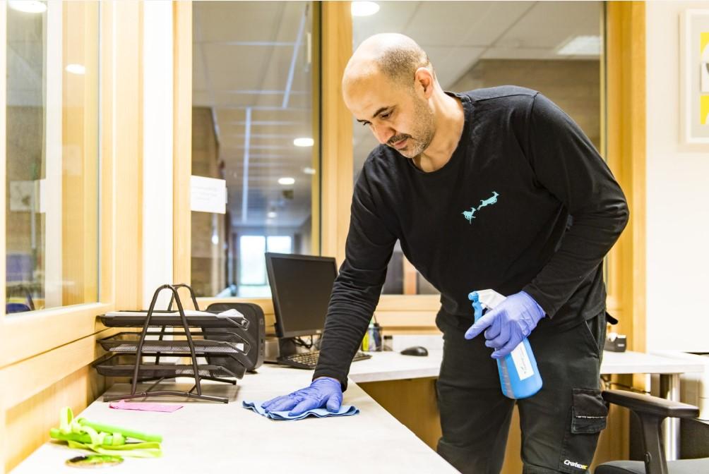 Cleaning Masters is op zoek naar extra onderhoudspersoneel: een schoonmaker of schoonmaakster voor onze mobiele ploeg in de reigo Oostende (West-Vlaanderen).