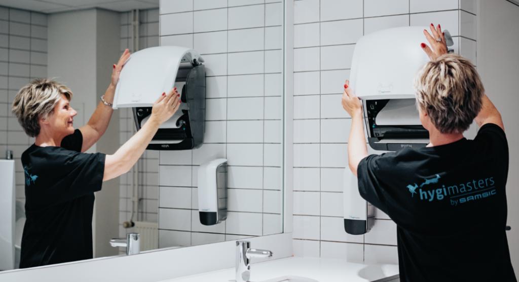 Terug naar kantoor na de coronapandemie: niet alleen de werkomgeving dient hygiënisch en virusvrij te zijn, maar ook bijvoorbeeld het sanitair.