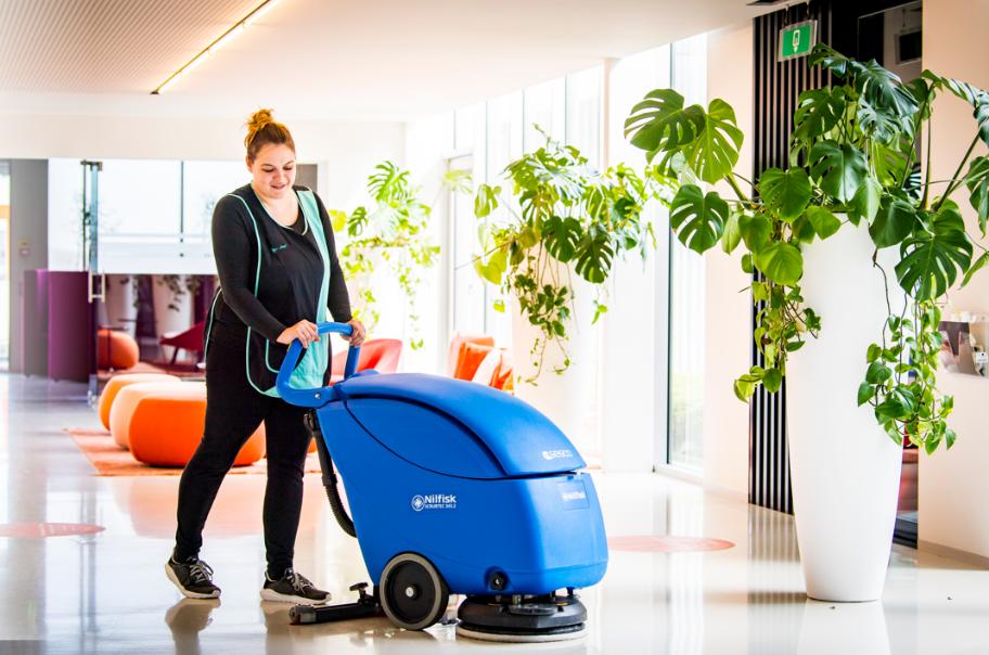 Cleaning Masters - de schoonmaakdivisie van Multi Masters Group - verzorgt de schoonmaak van de 260 kantoren van Accent.